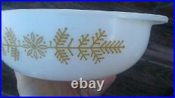 Vintage Holiday Christmas Pyrex GOLDEN Garland 023 1 1/2QT CASSEROLE RARE HTF